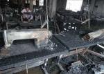 """Los supervivientes del incendio de la fábrica textil de Bangladesh """"Garib&Garib"""", que producía para H&M, reclaman justicia y seguridad en la industria de la ropa"""