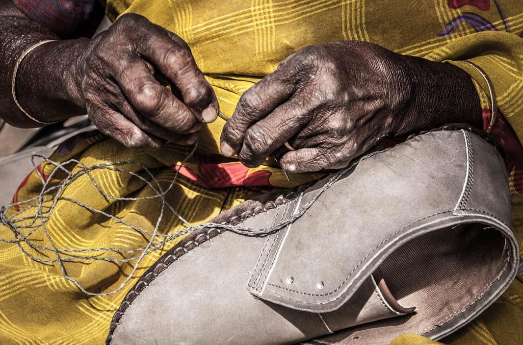 Discriminación de género y casta en la base de la explotación de las trabajadoras del calzado de cuero en la India