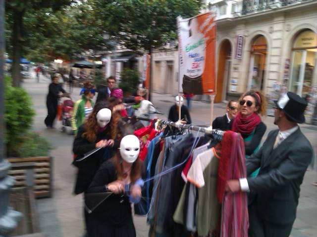 Campaña Ropa Limpia exige el fin de los salarios de miseria en el sector textil