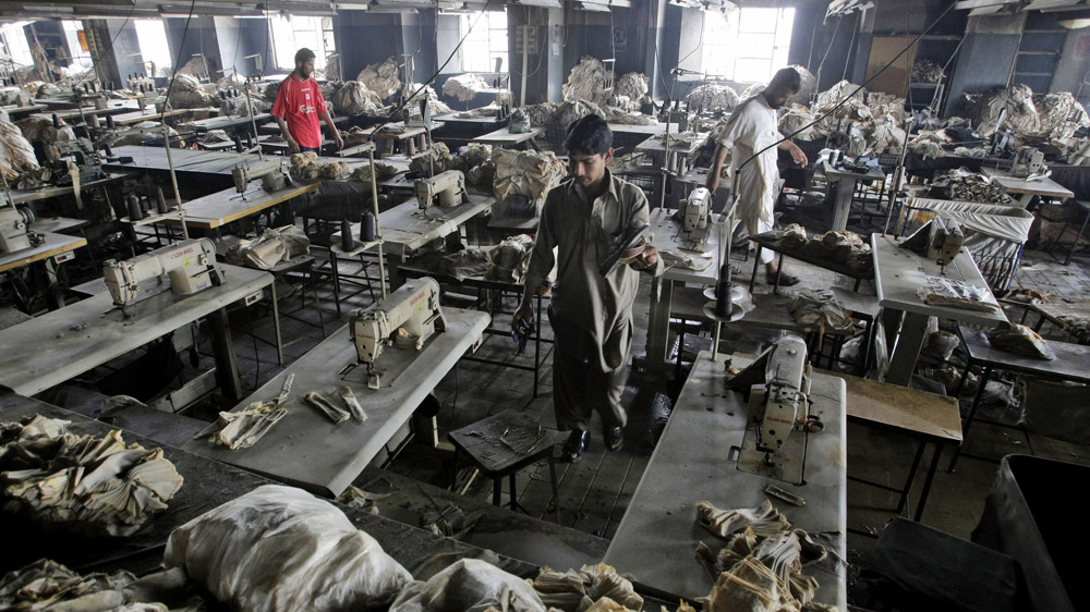 RINA, la empresa que auditó la fábrica Ali Enterprise tan solo tres semanas antes de que ardiera en llamas, ignora una vez más a las víctimas